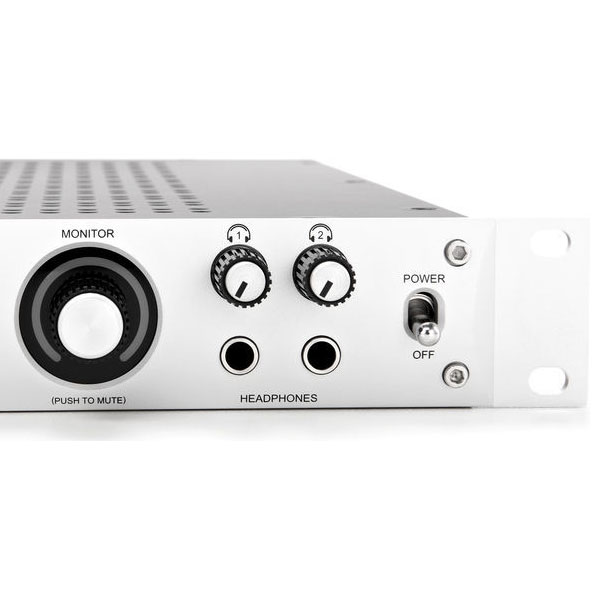 universal-audio-apollo-firewire_10