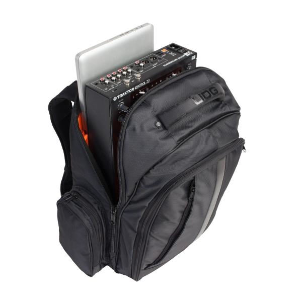udg-ultimate-backpack-blackorange-inside-3