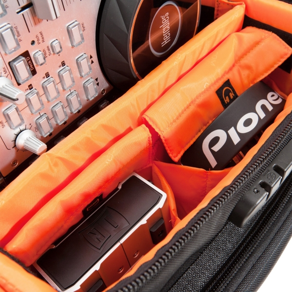 udg-ultimate-digi-trolley-to-go-blackorange-inside-3