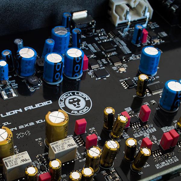 black-lion-audio-revolution-2×2-4